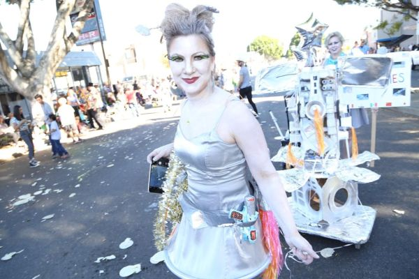 Doo Dah Parade alien