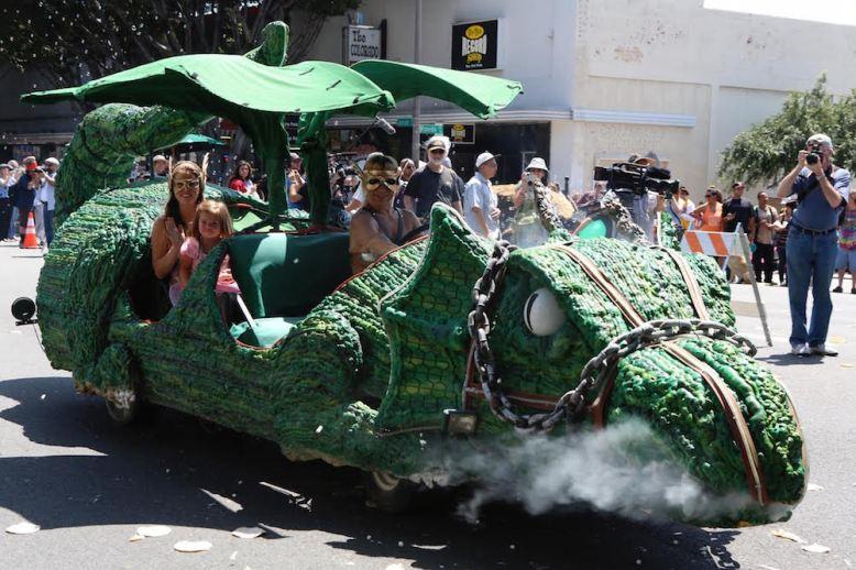 Doo Dah Parade dragon float