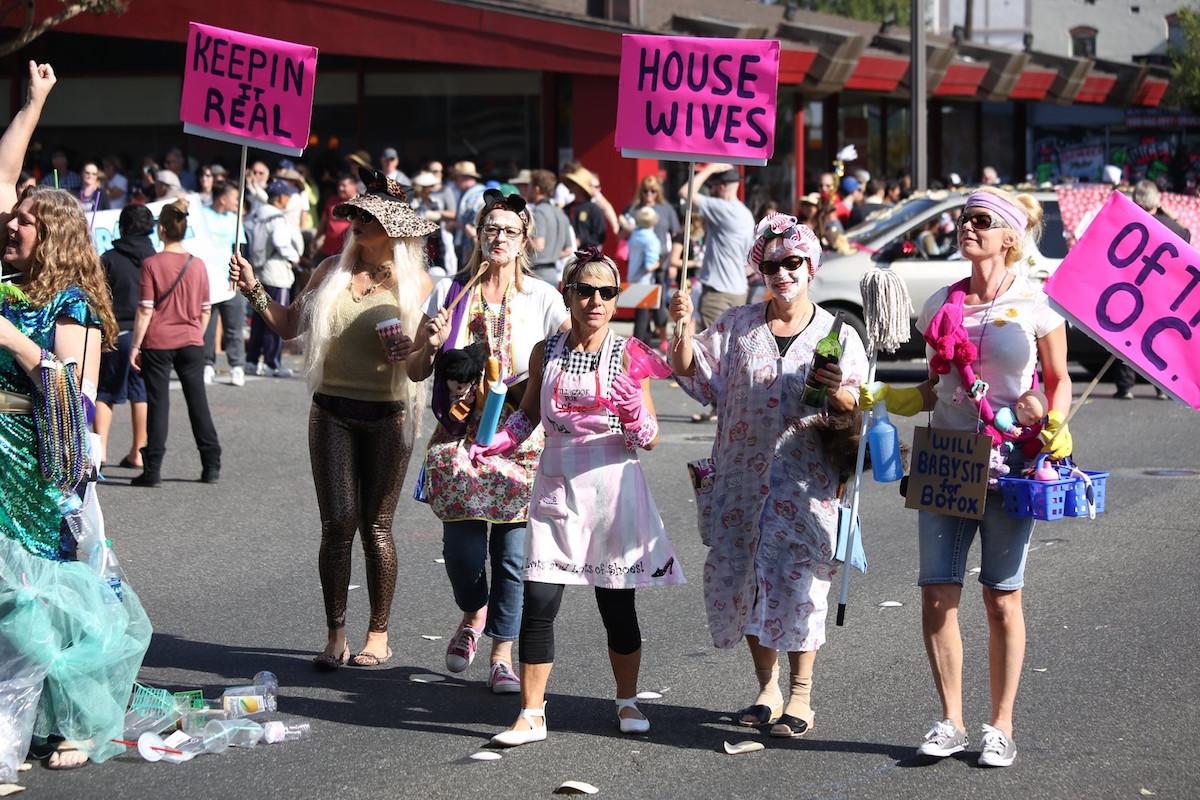 Pasadena Doo Dah Parade housewives